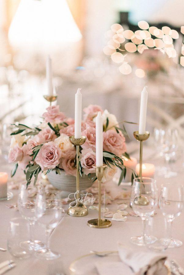 Vestuvių dekoras, papuoštas stalas